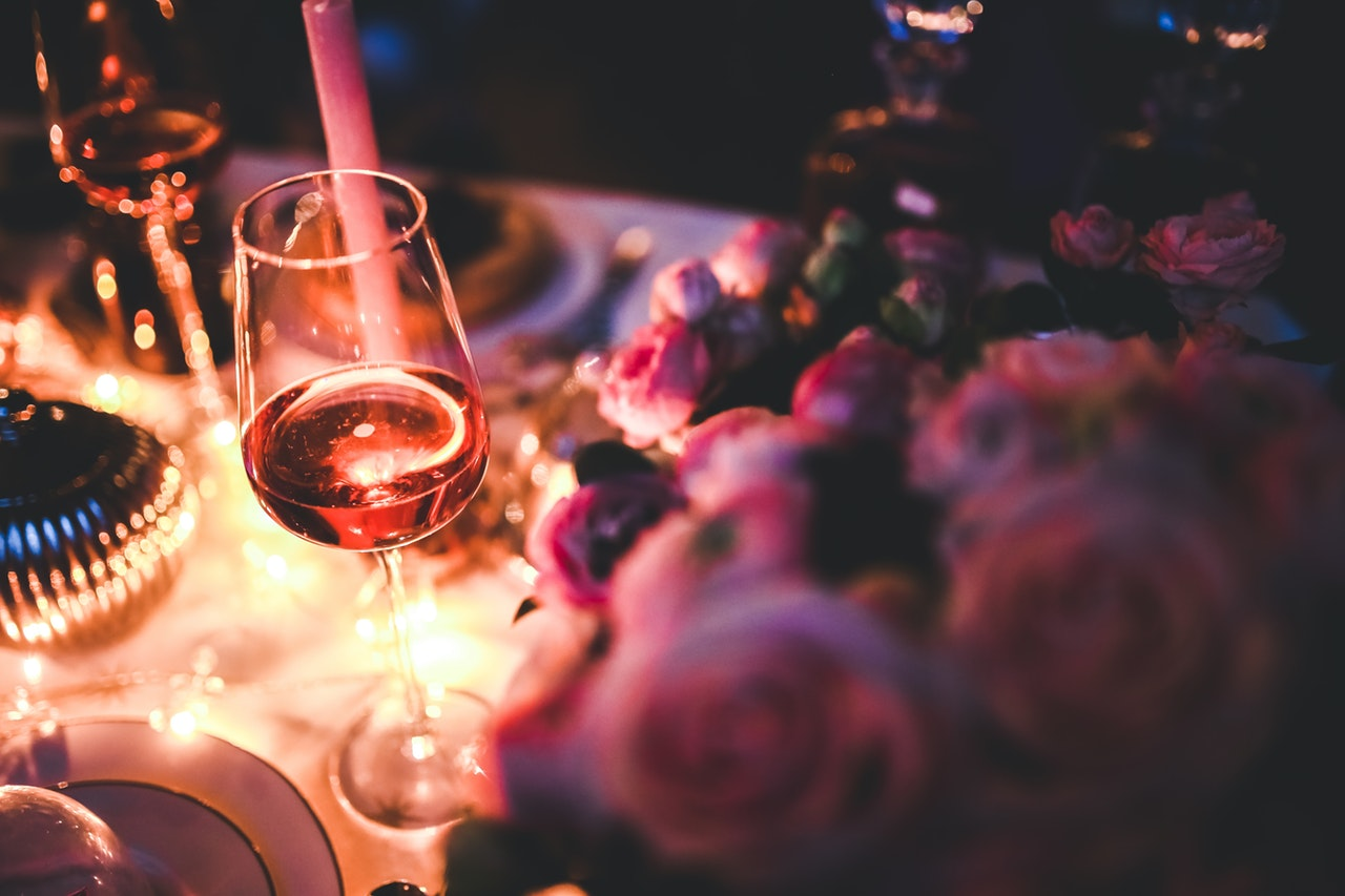 Romantic Dinner Locations & Date Ideas