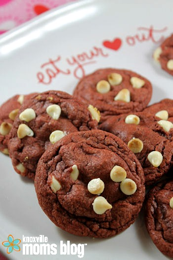 Red Velvet White Chocolate Chip Cookies   Love is in the air! Love for these gorgeous, soft and chewy cookies that is! #dessert #redvelvet #cookies #ValentinesDay #Valentine
