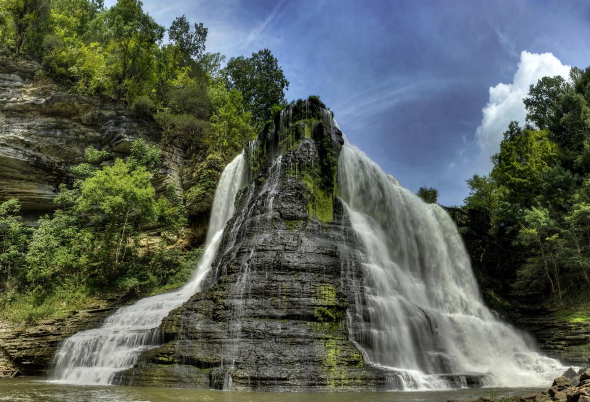 Burgess Falls in the Cumberland Plateau area is on my bucket list!