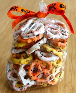 candy-corn-pretzels-from-baked-perfection-3