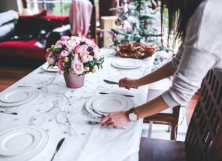 How to Set a Holiday Table (That Even Your Mother-in-Law Will Love!)