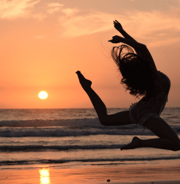5 Ways a Small Business Does a Little Happy Dance When You Support It
