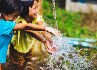 5 Summer Water Table and Mud Kitchen Play Ideas