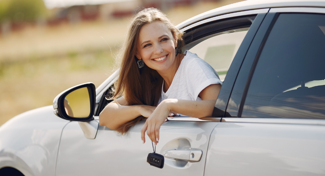 7 Summer Essentials You Need in Your Car